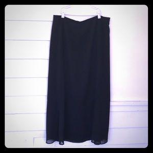 Liz Claiborne LizSport Black Ankle Length Skirt 14